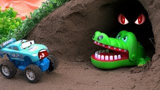 Disney Car Toys Dinoco There Is Family Crocodile In The Cave | Dinoco, Be Careful | #CarToysTV