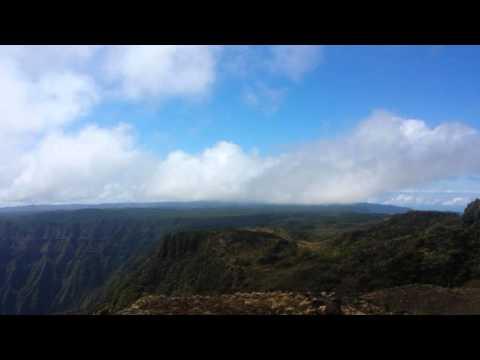 Views of Mount Waiʻaleʻale and Kawaikin