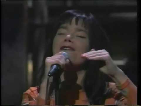 Björk - Hyperballad live on the Late Show with David Letterman (1995)