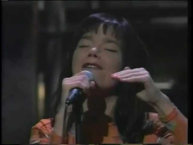 bjork-hyperballad-live-on-the-late-show-with-david-letterman-1995-mollylurcher