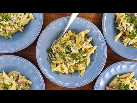 Penne with Prosciutto, Peas and Leeks in Cream Sauce