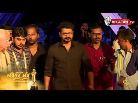 Ilayathalapathy Vijay in new look at Ananda Vikatan Cinema Awards