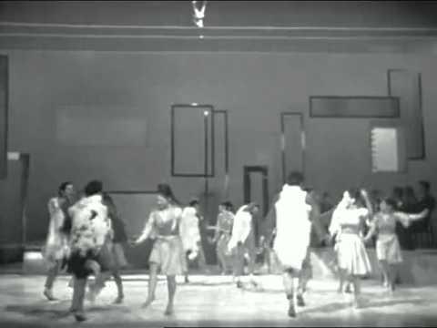 Kibbutz dance of Israel  (France, 1972)