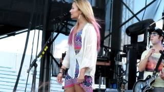 Who's That Boy - DEMI LOVATO SUMMER TOUR CONCERT - JUNE 23, 2012 ♡ HERSHEY