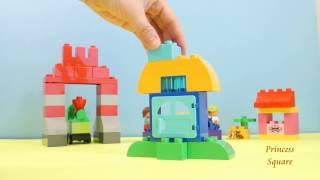 Building a LEGO Mini Village with LEGO Duplo