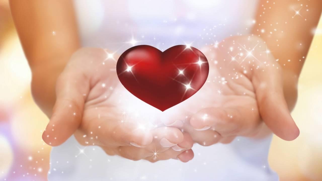 Руки к сердцу картинка