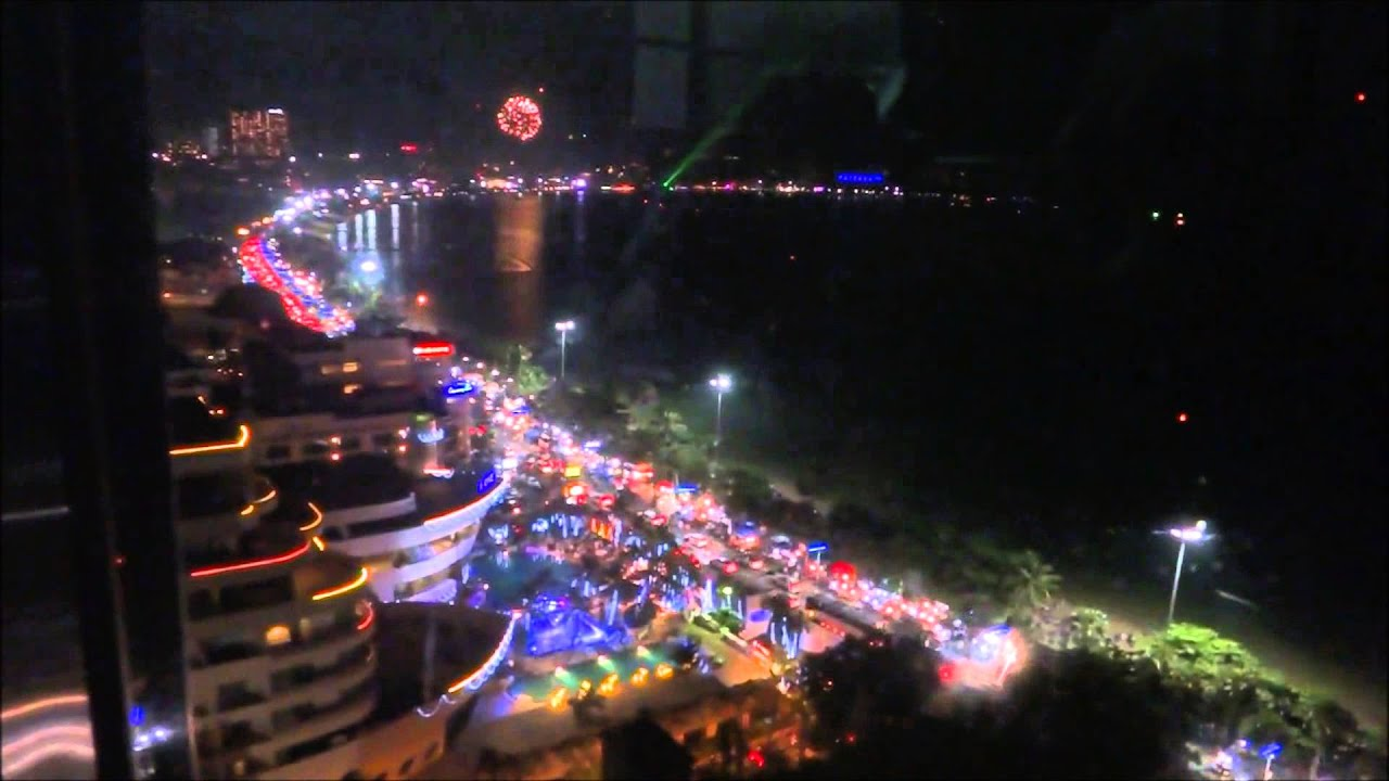 Thailand new years party pattaya 2015 soi 6 and beach for Terrace new year party