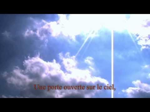 Une porte ouverte sur le ciel