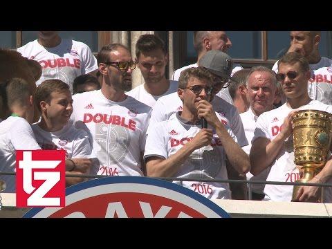 """Bayern-Stars schicken Gruß an Dante: """"Wir gewinn' Meisterschaft..."""" - Double-Feier 2016 FC Bayern"""
