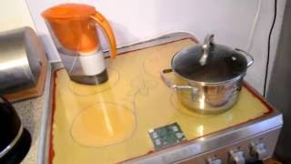 Разбилось стекло индукционной плиты, меняем самостоятельно и экономим 20 тысяч рублей