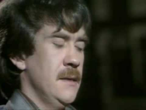 Dick Gaughan - Flooers o' the Forest