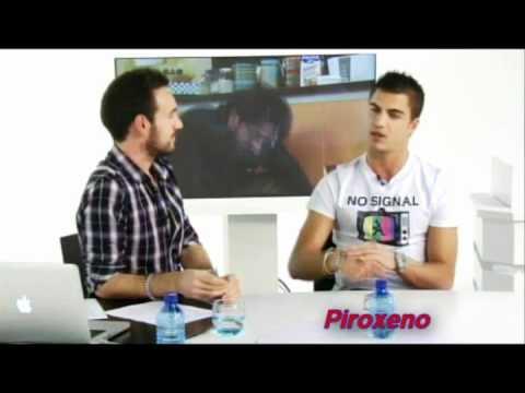 Download Piroxeno Pregunta: Maxi Iglesias (Ángel en Los Protegidos)