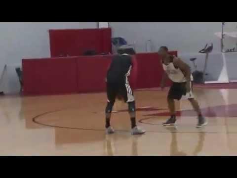 THE RETURN..Derrick Rose playing 1on1 vs Chicago Bulls teammates