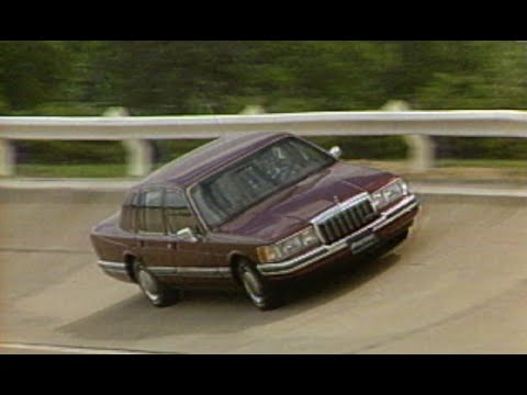 Motorweek Retro Review 1990 Lincoln Town Car Youtube