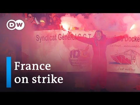 France strikes: Thousands