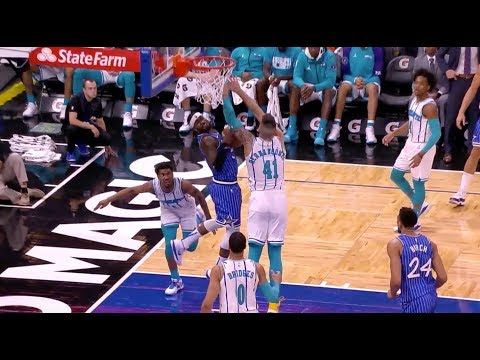 Terrence Ross Throws Down Kobe Bryant-Esque Reverse Dunk vs. Charlotte Hornets