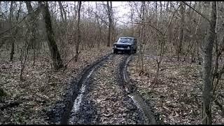 Российский автопром Нива, нам не нужны дороги,поездка на лесные озёра.