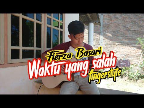 waktu-yang-salah-fiersa-basari_fingerstyle_alif-kurniawan_live-cover
