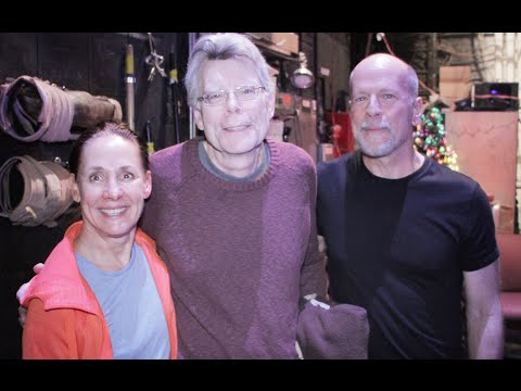 Stephen King visits Misery on Broadway and chats with Bruce and Laurie
