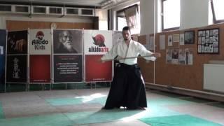 zengo no ido hidari yokomen ushiro tsuki [TUTORIAL] Aikido advanced weapon technique