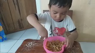 Video Lucu ZEFA makan NASI GORENG ❤