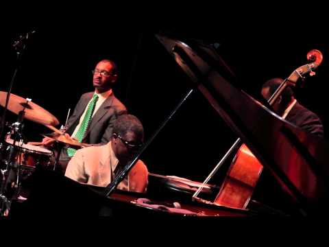Marcus Roberts Trio - Blues Five Spot (Thelonious Monk)