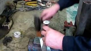 видео Как починить водопроводную трубу своими руками