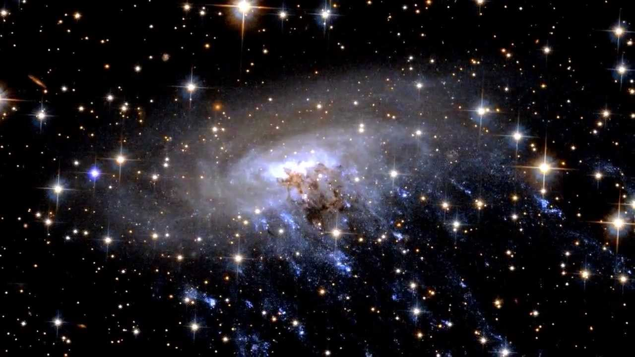 Hubble Telescope Spies A Galaxy In Distress Esa Space