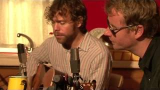 Repeat youtube video The National - Slow Show (Live, acoustic)