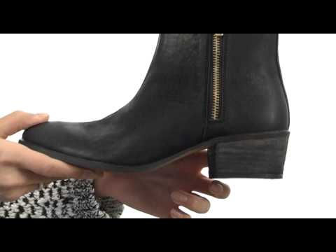 cd054662204ce Steve Madden Neovista SKU  8328032 - YouTube