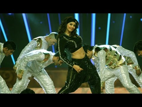 Daisy Shah's Electrifying Dance Performance | Country Club's New Year 2015