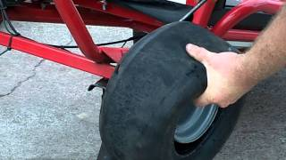 Gambar cover Changing a tire on a 1 piece go kart rim