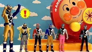 リュウソウジャーおもちゃとアンパンマンガラガラふくびきびんごで遊ぼう!正解の組み合わせはどれだ?Power Rangers Ryusoulgerピカピカトイズ