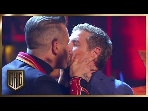 Robbie Williams und Klaas singen
