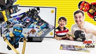 - Папа Роб Ярик и Бэтмен играют в 3D каталог LEGO