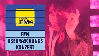 Bilderbuch - Om || live @ FM4 Überraschungskonzert 2018