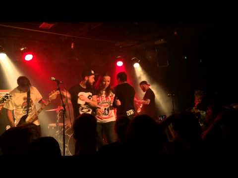 Beartooth - In Between Live in Berlin w/ Climates and Dead Harts 1080p