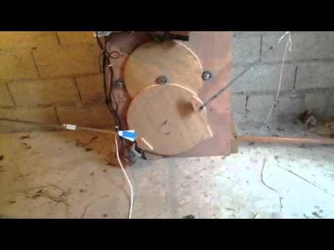 Trappe Automatique De Poulailler YouTube - Fabriquer porte poulailler automatique