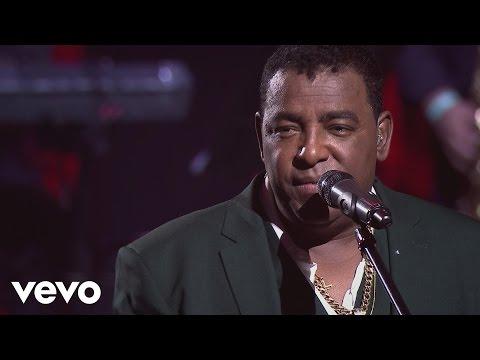 Gigantes do Samba - Deus Me Livre (Ao Vivo)