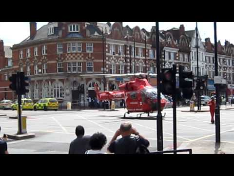 HEMS, Air Ambulance landing on Stamford Hill