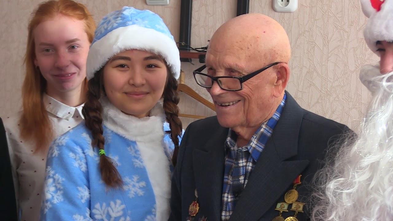 98 лет Василию Дементьеву