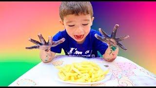Johny Johny Yes Papa | Rafael finge lavar a mão