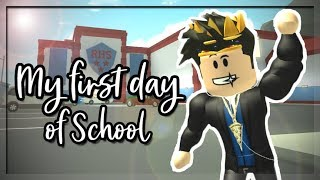 MY FIRST DAY OF SCHOOL AT ROBLOX HIGH SCHOOL 2! (Roblox Roleplay)