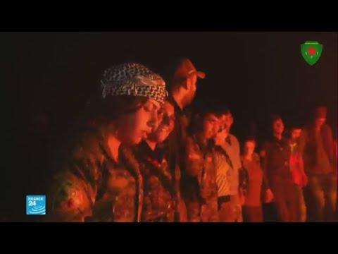عناصر من قوات سوريا الديمقراطية يحتفلون بالسيطرة على الرقة  - نشر قبل 4 ساعة