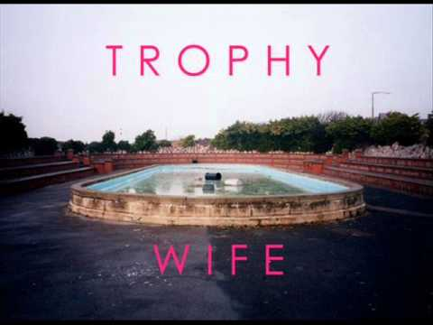 Trophy Wife - Spinalonga