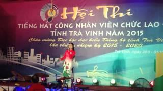 Lê Vân hát tại hội thi tiếng hát CNVCLĐ tỉnh Trà Vinh