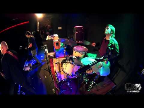 Revolución Paraiso - Nadie Sabe - Makena Club, Buenos Aires. Julio 2015