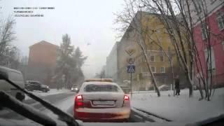 Авария 2013 ДТП №1287, 3 Октября, Мурманск, Ребенок попал под колеса микроавтобуса(ВСЕ ПОДРОБНОСТИ О ДТП : http://dtp777.ru ДОБРОЕ ВРЕМЯ СУТОК! Подписывайтесь на канал