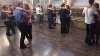 Кизомба. Тиаго и Алёна сентябрь 2016(Урок Кизомбы Преподаватели Тиаго Мендес и Алёна Фортунова Видео уроки танцев от школы Spicy Salsa. Spicy Salsa: http://www...., 2016-10-03T14:38:02.000Z)
