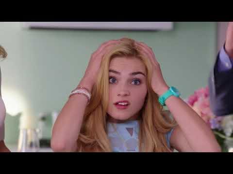 Les 7 premières minutes du film! I Zombies I Disney Channel BE